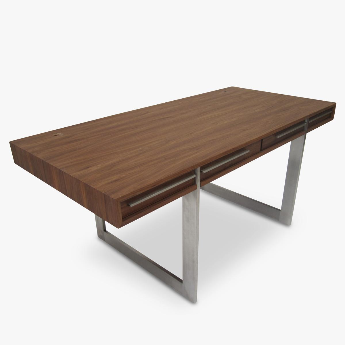 Aksel-Kjersgaard Walnut-Desk-Front-Side-1200