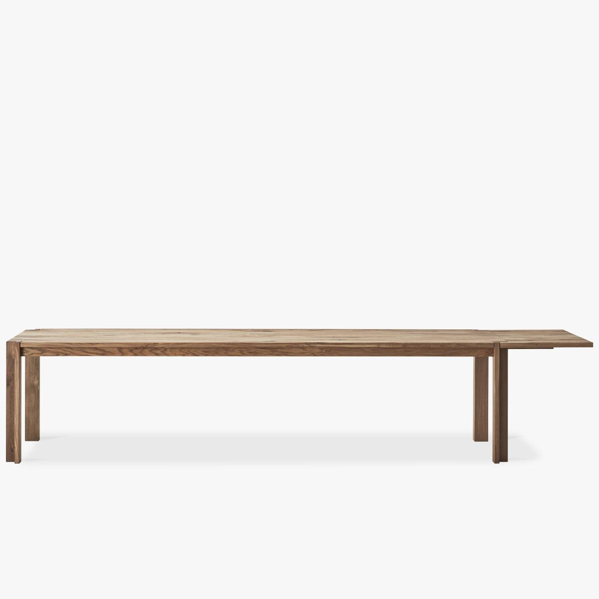 Jeppe Utzon Table_from side_oak_extension-1200