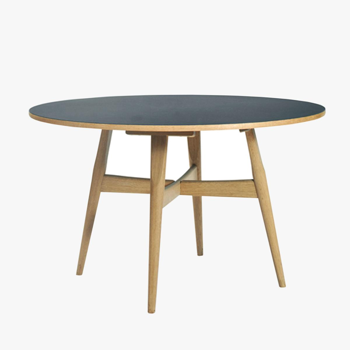 Hans-Wegner-526-Table---1200