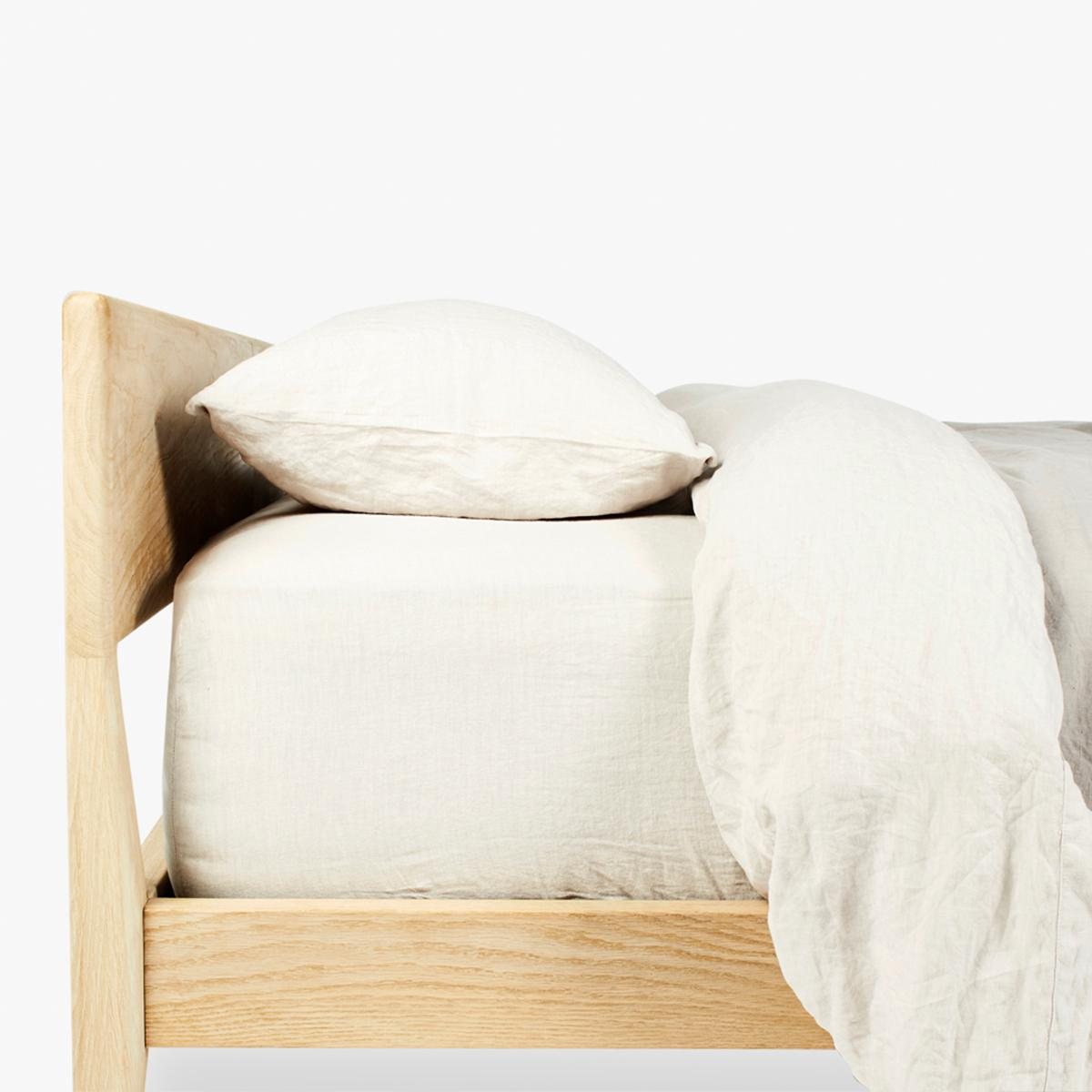 Bed-Side-9-Detail-1200-2