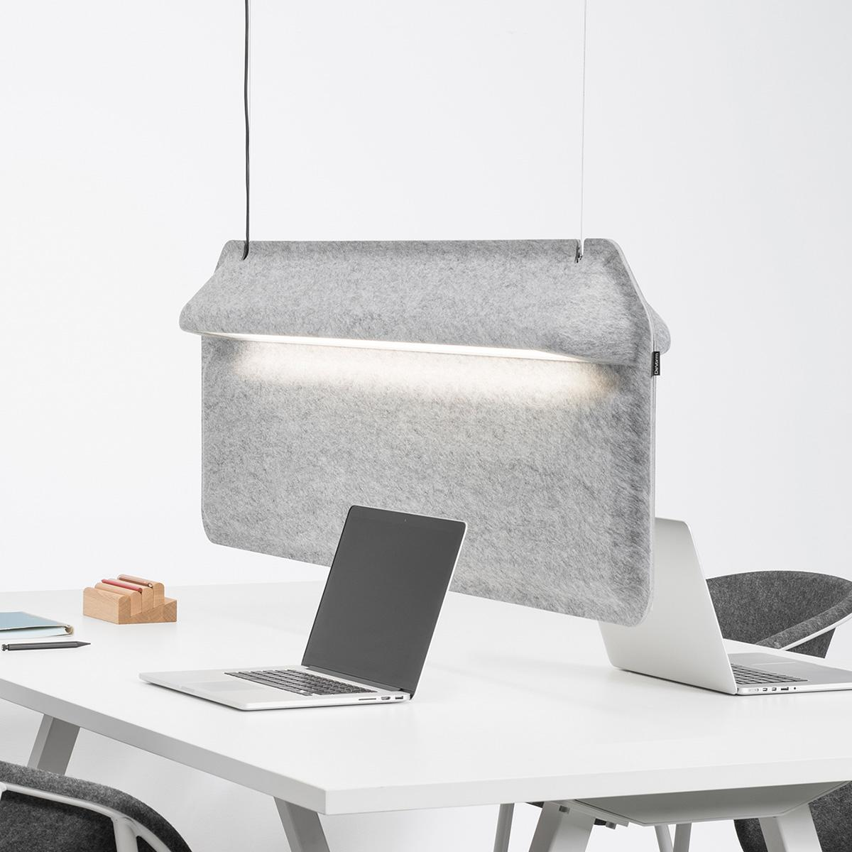 1200_0002_DeVorm-Workspace-Divider-Lamp-AK