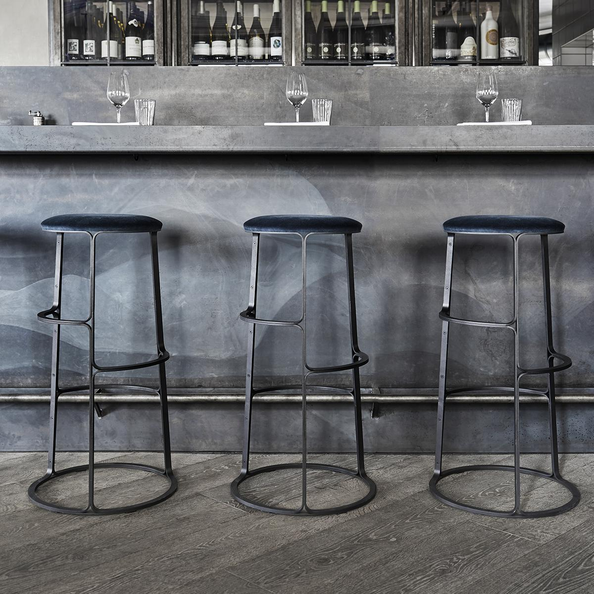 Barbry-Stool-Black-Insitu-2-1200