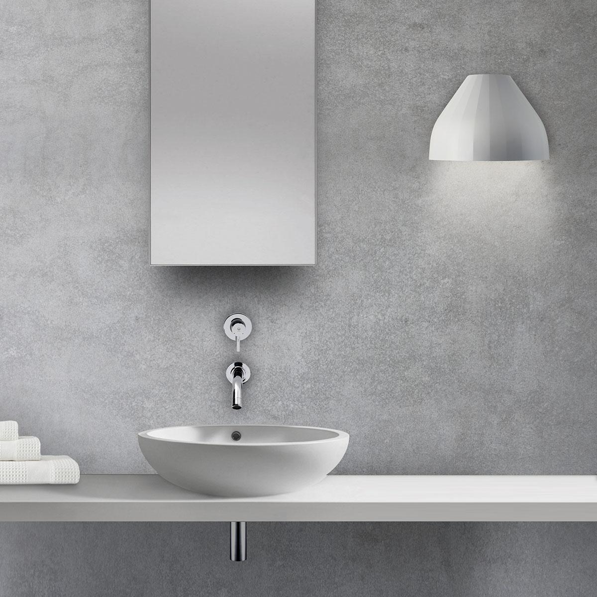 _0013_FACET GREY INDOOR BATHROOM_NEW