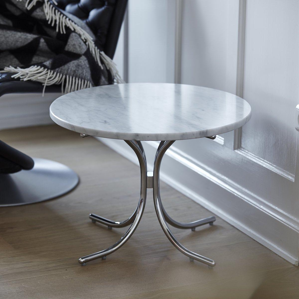 Modular_Table_White_Marble_with_Lounge_Chair
