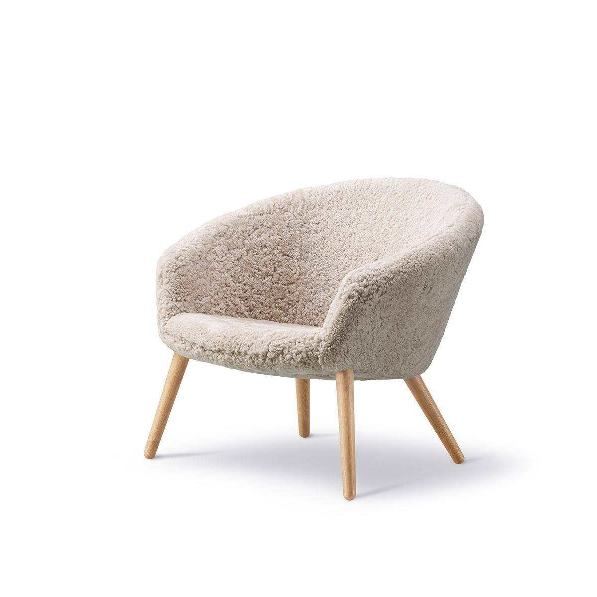 NDEasyChair_0003_ND_2631_sheepskin_oak_v2