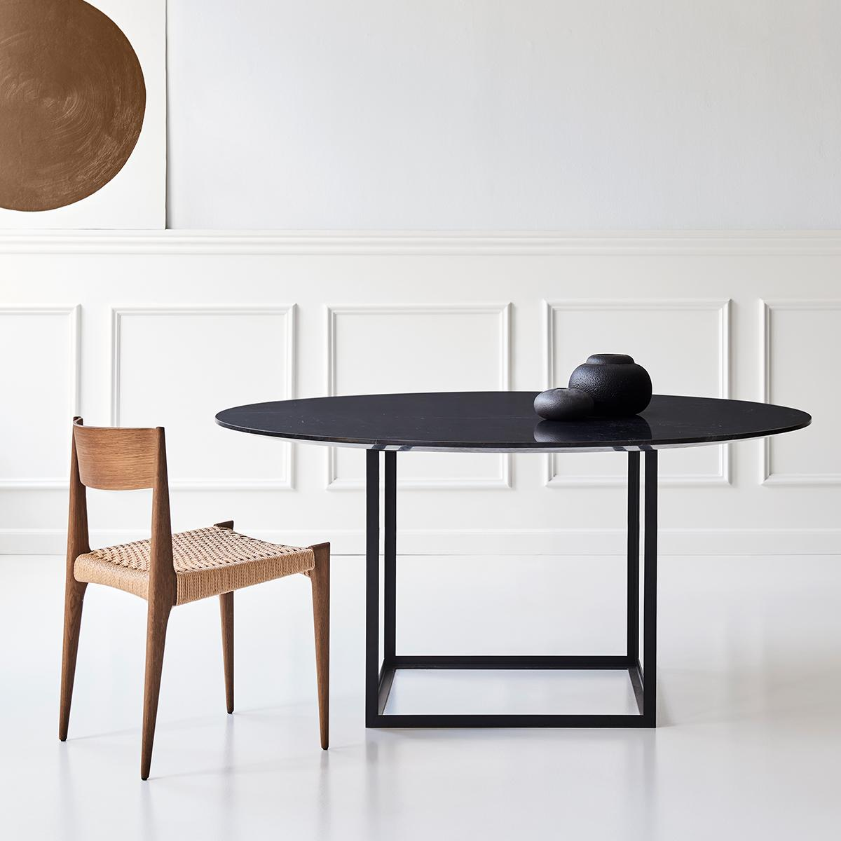Untitled-1_0002_JEWEL TABLE_round_Ø150_black marble_PIA CHAIR_smoked oak_LB12