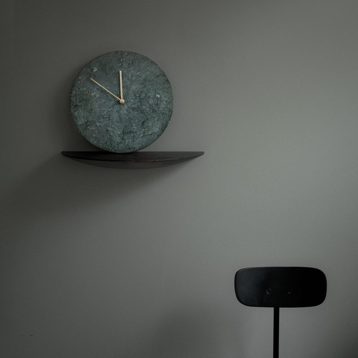 Menu-Marble-Clock-Green-Insitu